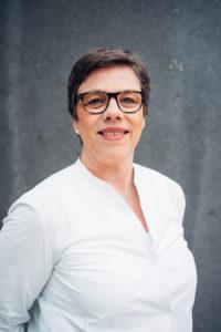 Claudia Schmitz-Peiffer